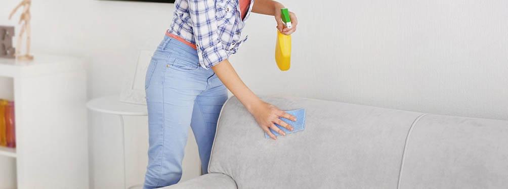уборка пятен на мягкой мебели